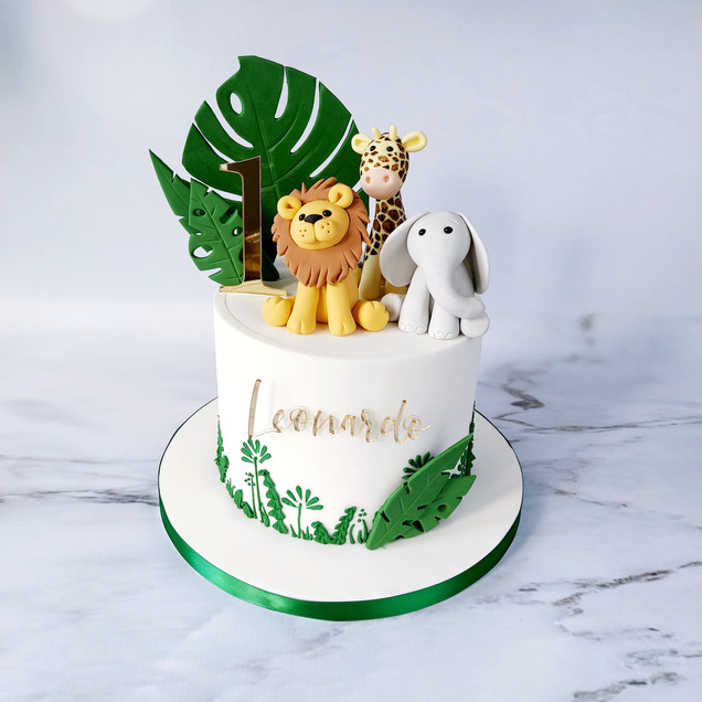 animal jungle safari cake