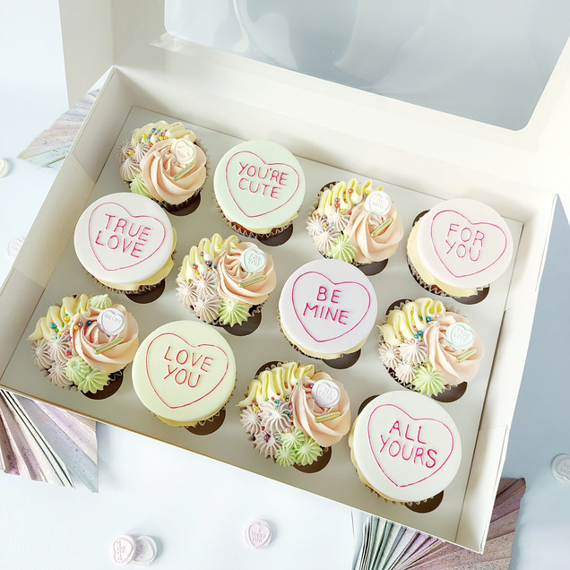 Love heart valentines cupcakes