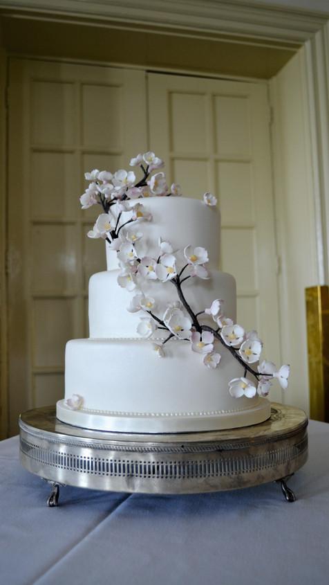 sugar blossom wedding cake
