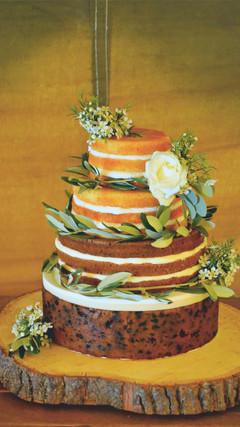 naked cake with fruitcake tier