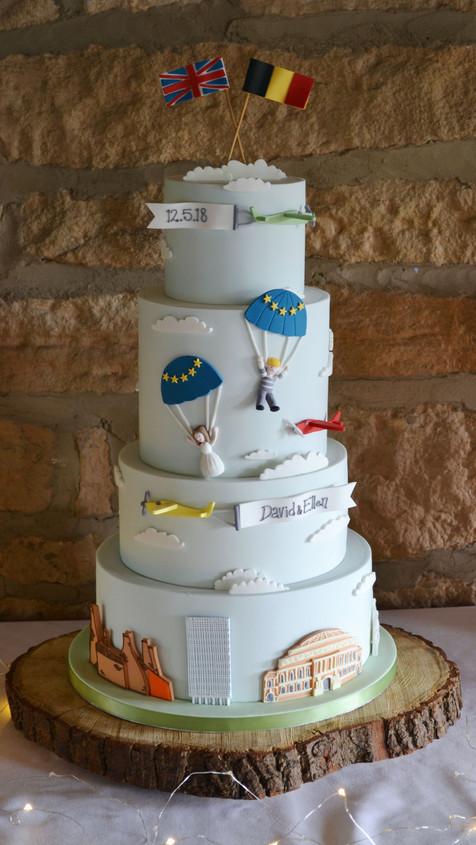 personalised wedding cake with landmarks