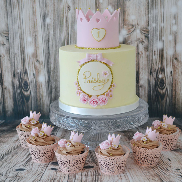 Buttercream princess crown cake and cupcakes