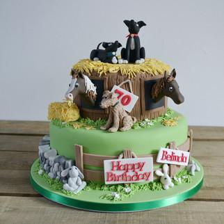 dog and horse theme cake