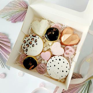 small treat box- black white & rose gold