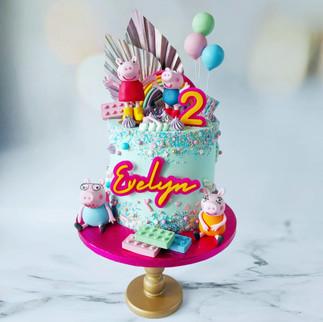 Peppa Pig sprinkles cake