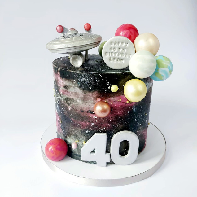 galaxy cake with starship enterprise