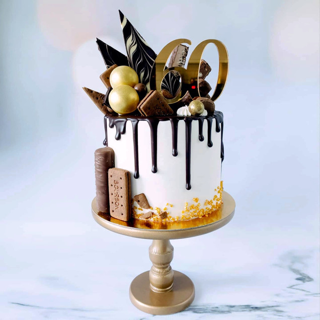 chocolate & gold drip cake