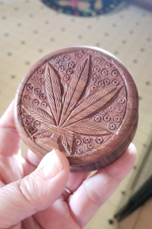 "Marijuana Leaf Herb Grinder, 3"""