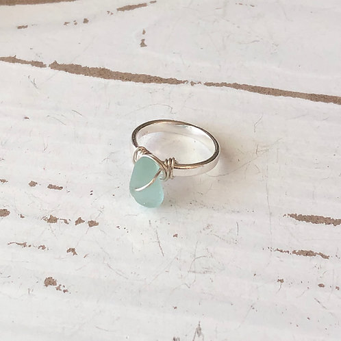 Wear the sea wire wrapped ring