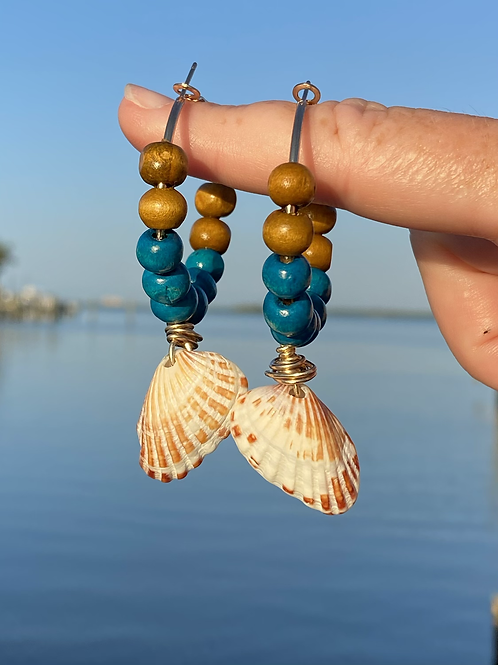 Beachy bohemian shell earrings