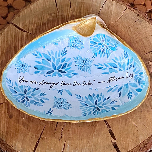 Large decoupage clam shell