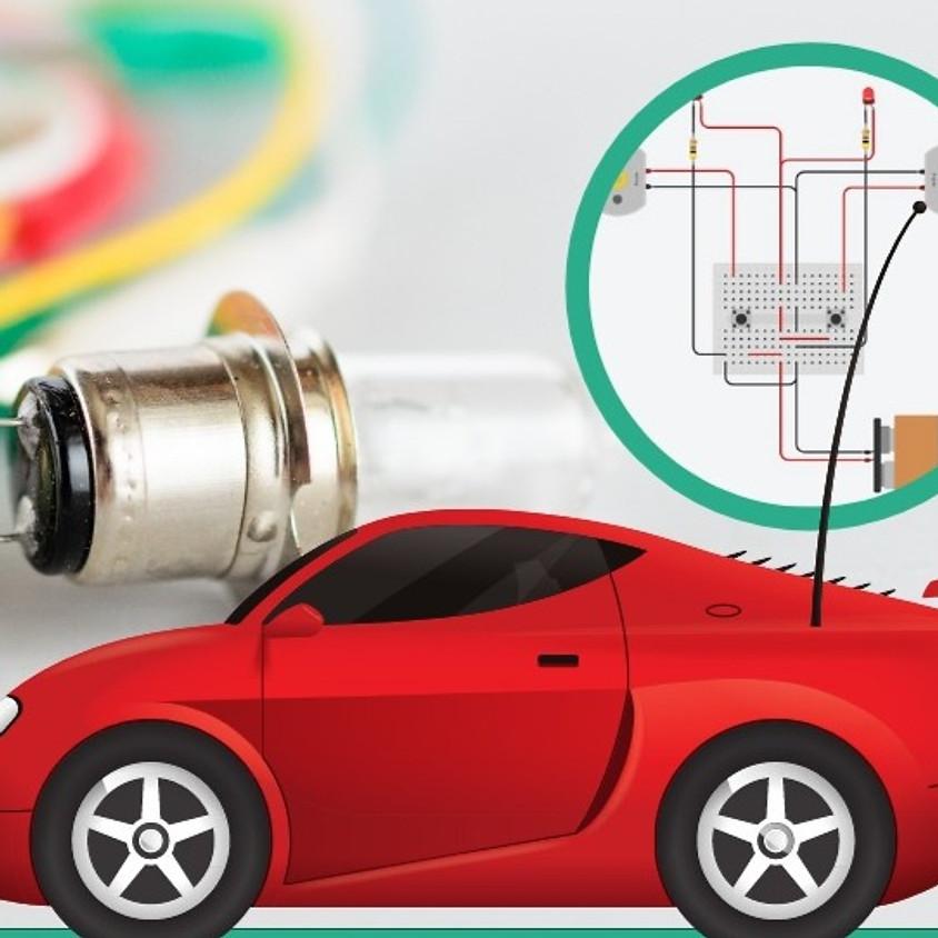 מתחת למכסה המנוע של מכונית צעצוע - מעגלים חשמליים באמצעות טינקרקאד - מקוון