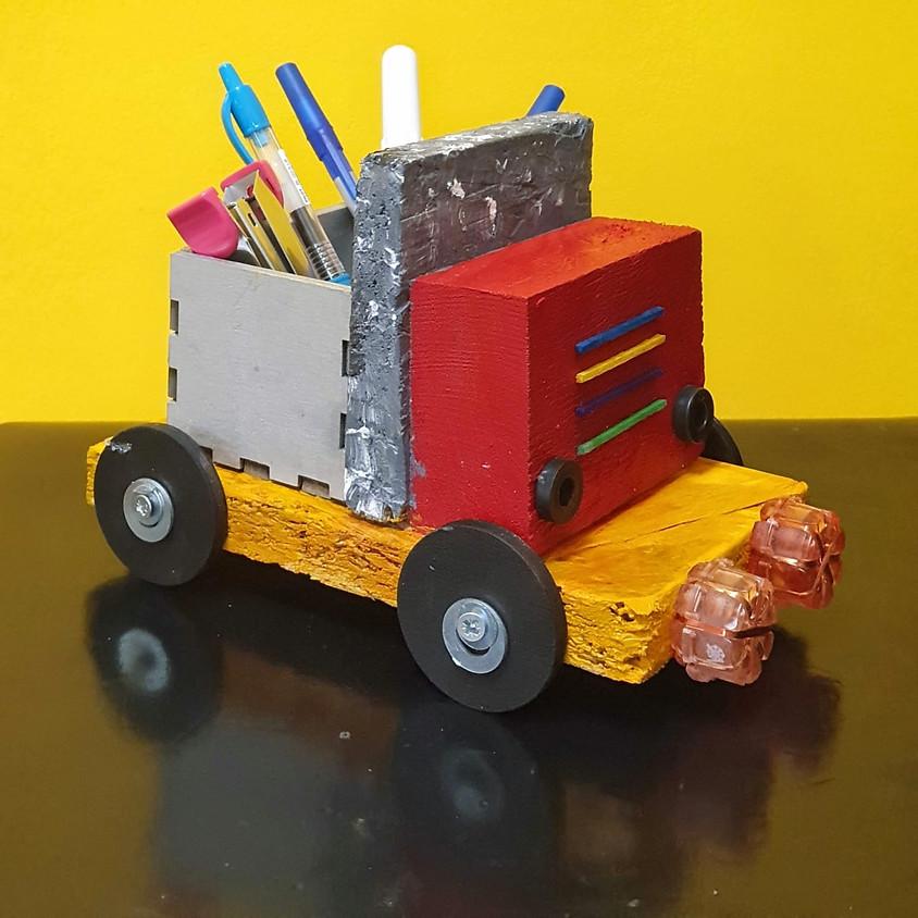 סדנת נגרות - משאית מעץ עם ארגז בחיתוך לייזר