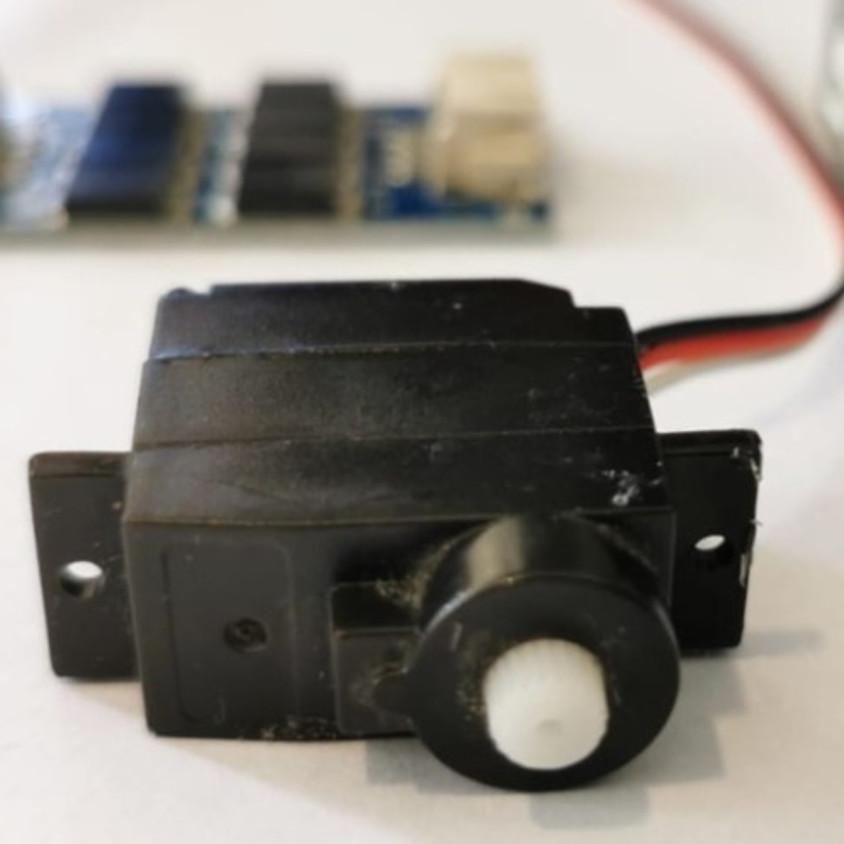 הרצאה מקוונת : מנועים עם בקרת מיקום - מי אתם ומה אתם יודעים לעשות?