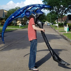 Kayn's scythe is done! Largest prop I've ever created with full lighting effect that breaks down for