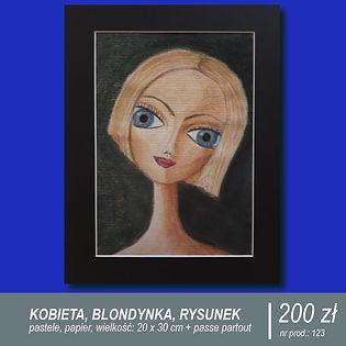 Portret fikcyjnej blondynki z dużymi niebieskimi oczami. Rysunek wykonany pastelami na pappeirze formatu A4, oprawiony w passe-partout.
