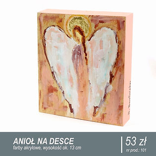 Drewniany anioł, anioł, różowy anioł, pastelowy róż, aniołek, śliczny aniołek, złota aureola, aureolka, anioł na drewnie, drewniana pocztówka, pocztówka z aniołem, obrazek z aniołem, rękodzieło, na biurko, na ścianę, dekoracja, drewno z odzysku, drewno malowane akrylami, farby akrylowe, akryl na drewnie, piękny prezent, upominek, wyjątkowy gadżet, oryginalny prezent, przycisk do papieru, na półkę z książkami, na prezent, wyjątkowy prezent, pod choinkę, dla mamy, dla babci, dla siostry, dla taty, dla dziadka, dla przyjaciółki, z okazji narodzin dziecka, ikona, do biura, biurowy gadżet, prezent w duchu zero waste, na urodziny, na rocznicę, z okazji przejścia na emeryturę, dekor, styl rustykalny, inspiracja, home decor, decoration, na święta, na parapetówkę, wystrój wnętrza, pomysł na prezent, wyrób regionalny, zestaw prezentowy, box prezentowy, różowy gadżet, co na prezent, piękny prezent, podarunek, lokalny producent, twórca, artysta, rękodzielnik, wyroby rękodzielnicze, z mazur, mazurs