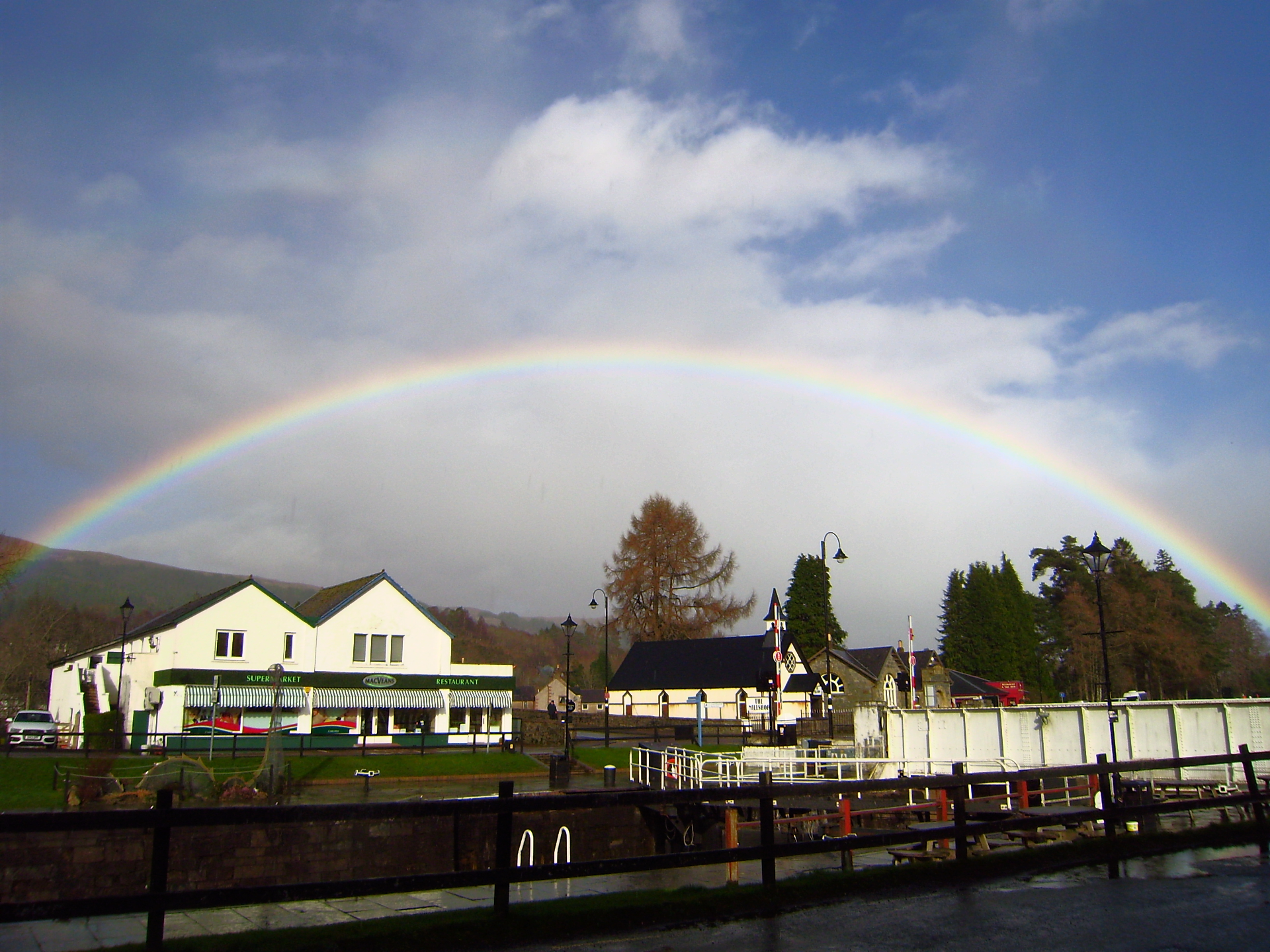 Pretty Rainbow at Fort Augustus