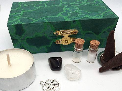 Holly Leaves Standard Altar Kit