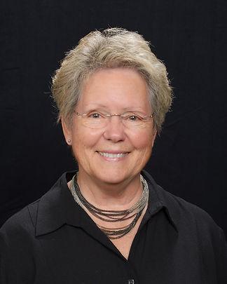 Vickie Mitchell Headshot .jpg