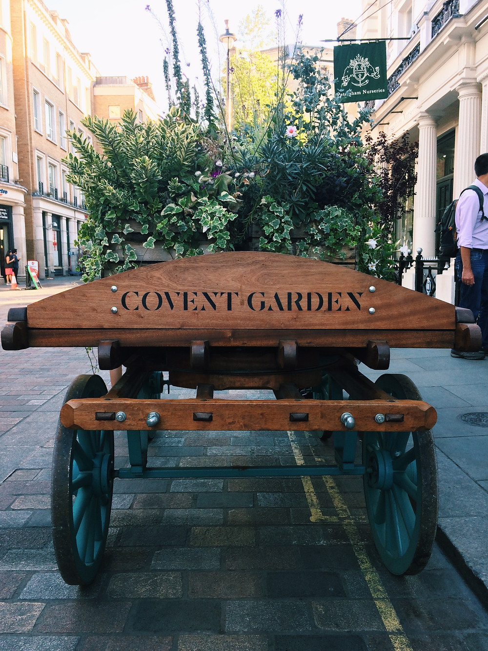 Floral display in Covent Garden, London, Written by Han