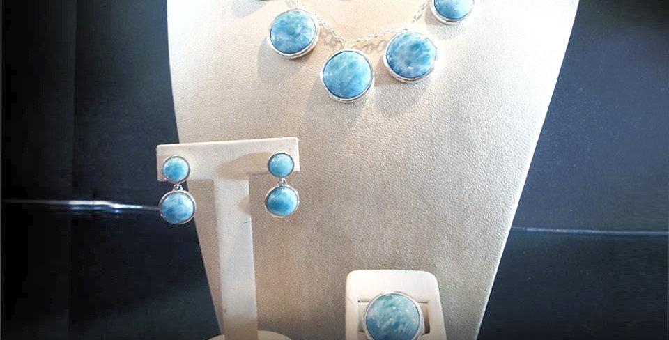 Juego de collar Petra con aretes y anillo