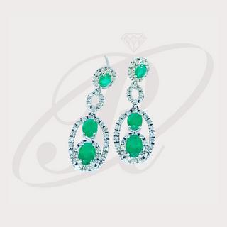 Aretes de esmeraldas