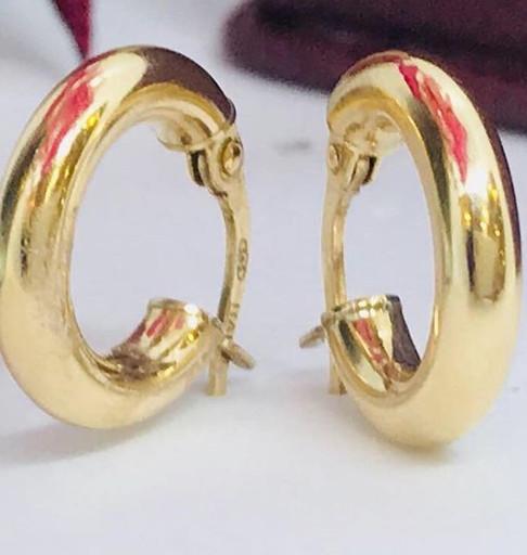 Argollas en oro amarillo 18k.