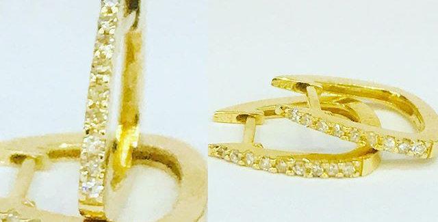 Aretes de oro.