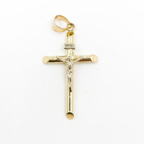 Crucifijo con cristo en alto relieve
