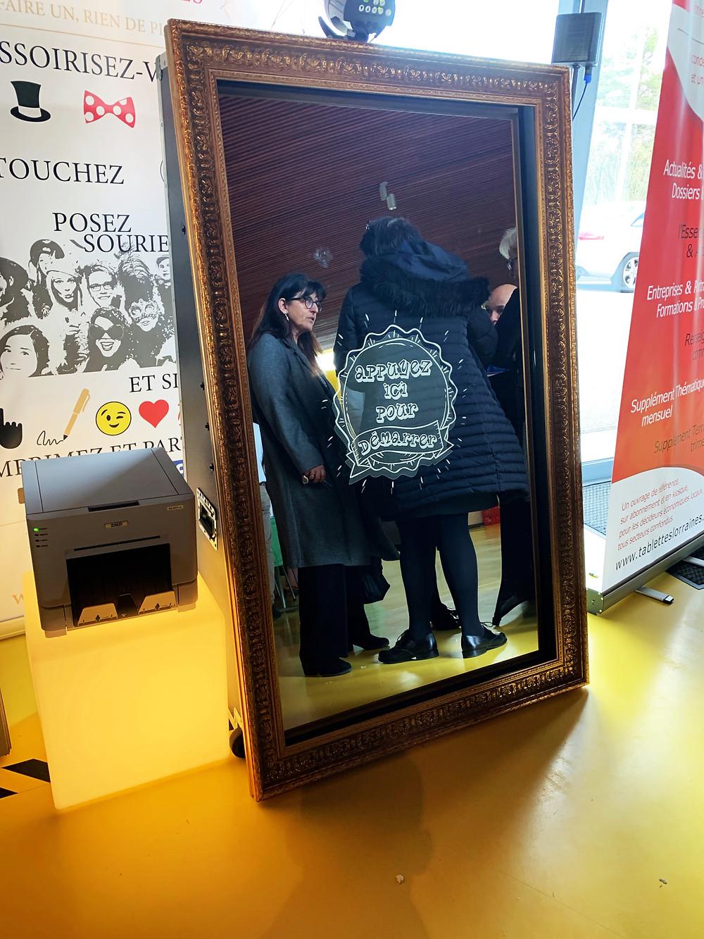 Pour en savoir plus sur les miroirs à selfies de Limitless Event, cliquez sur la photo.