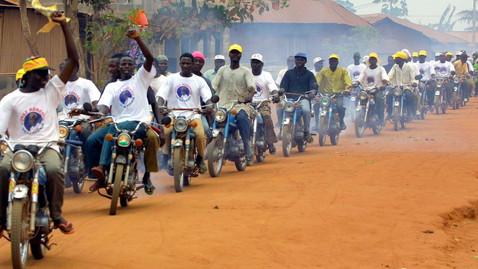 Et la Chine inventa l'étalement urbain en Afrique, grâce aux motos-taxis