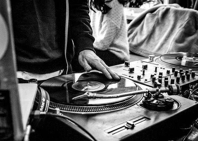 HIP HOP AT WORK un dj chez vous pour vos événements