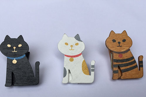 Wooden Sitting Cat Pegs