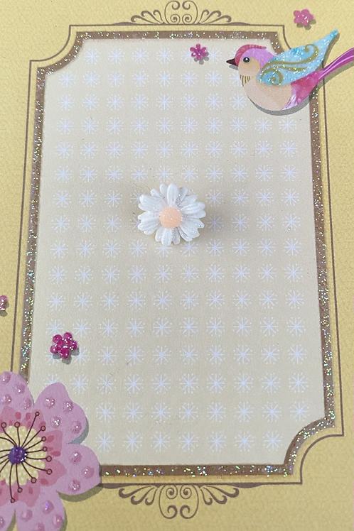White Dainty Daisy - Pin Badge