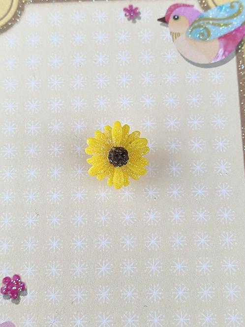 Yellow Dainty Daisy - Pin Badge