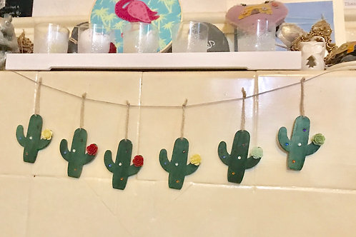 6 Wooden Cacti Hanging Decorations