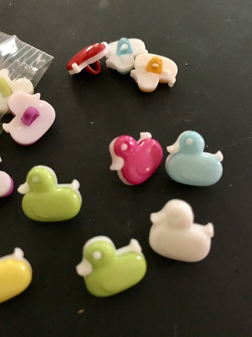 Small Plastic Duck Buttons