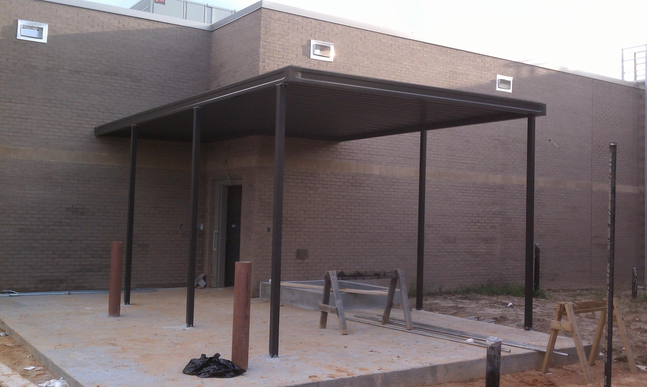 Extruded Canopies Justice Center Hattiesburg MS (2)