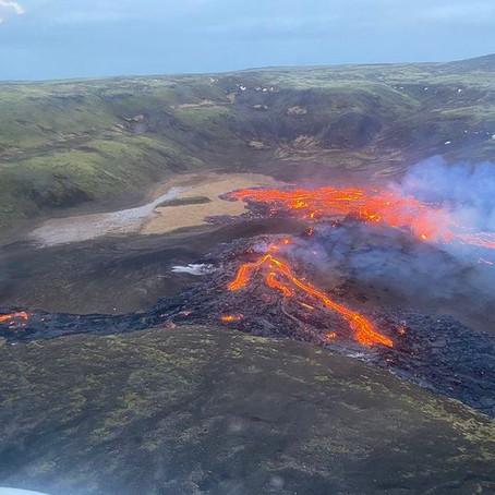 Første turistene har fått opplevd vulkanutbrudd på Island!