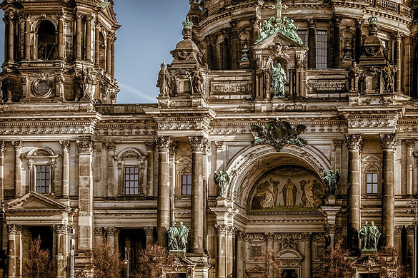 berlin-cathedral-3592874_1920.jpg