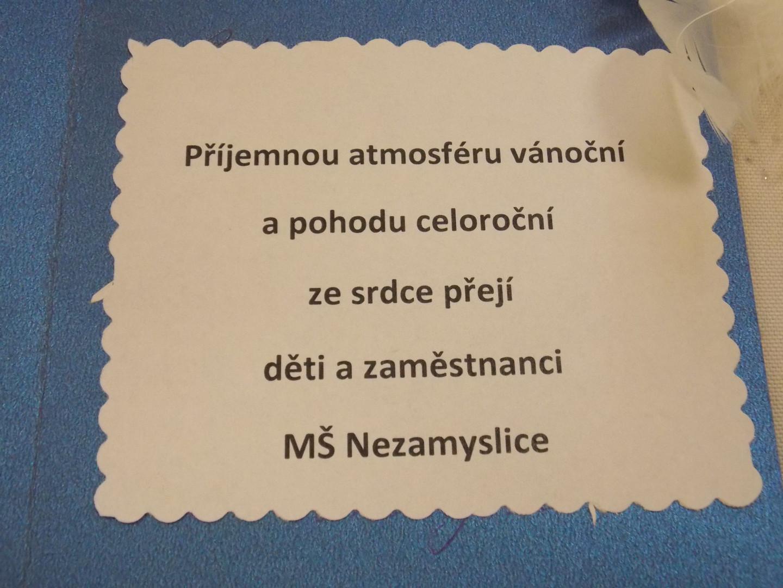 Dárky klientům Domova pro seniory od MŠ Nezamyslice a od Gentlemanů