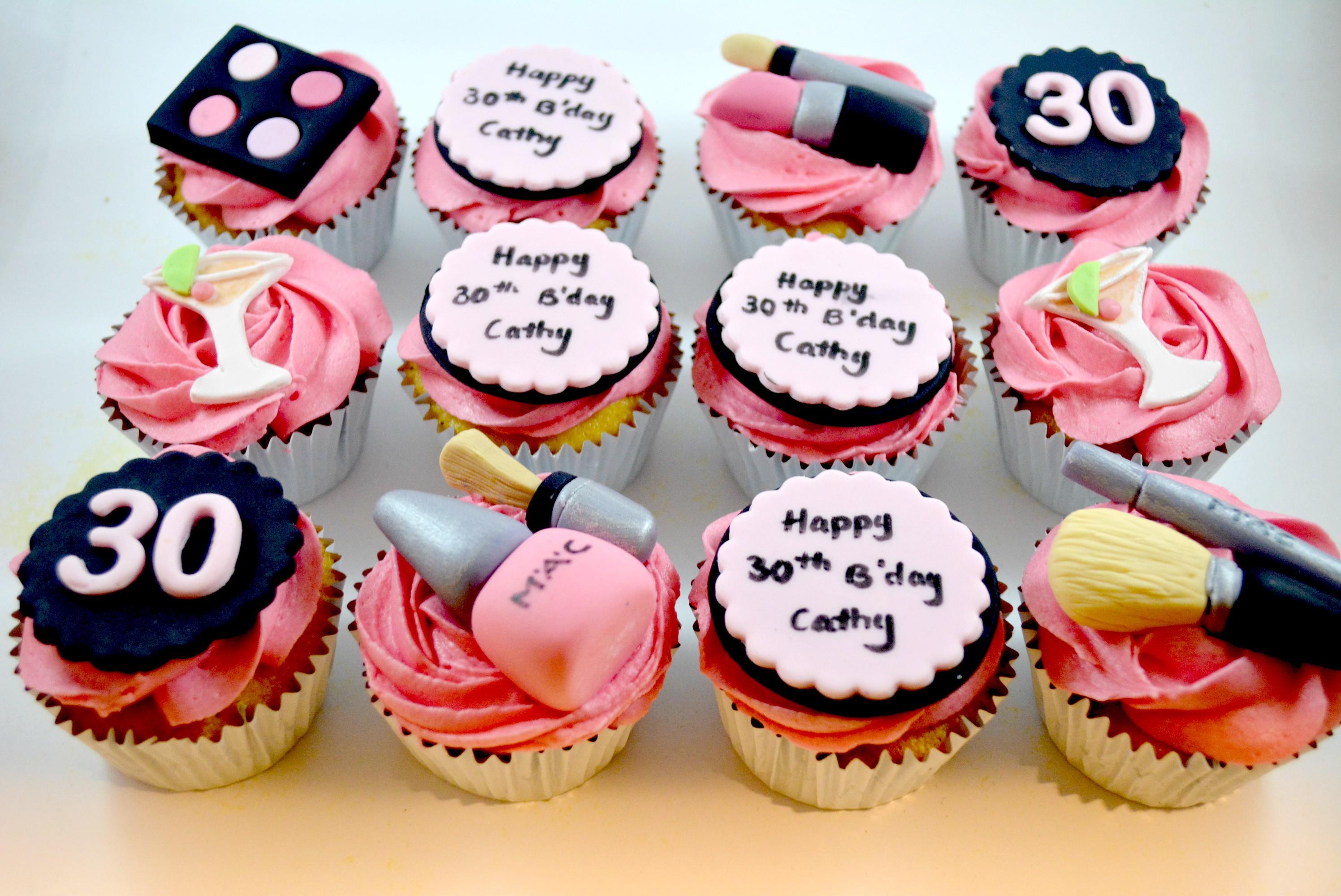 makeup kit cupcakes