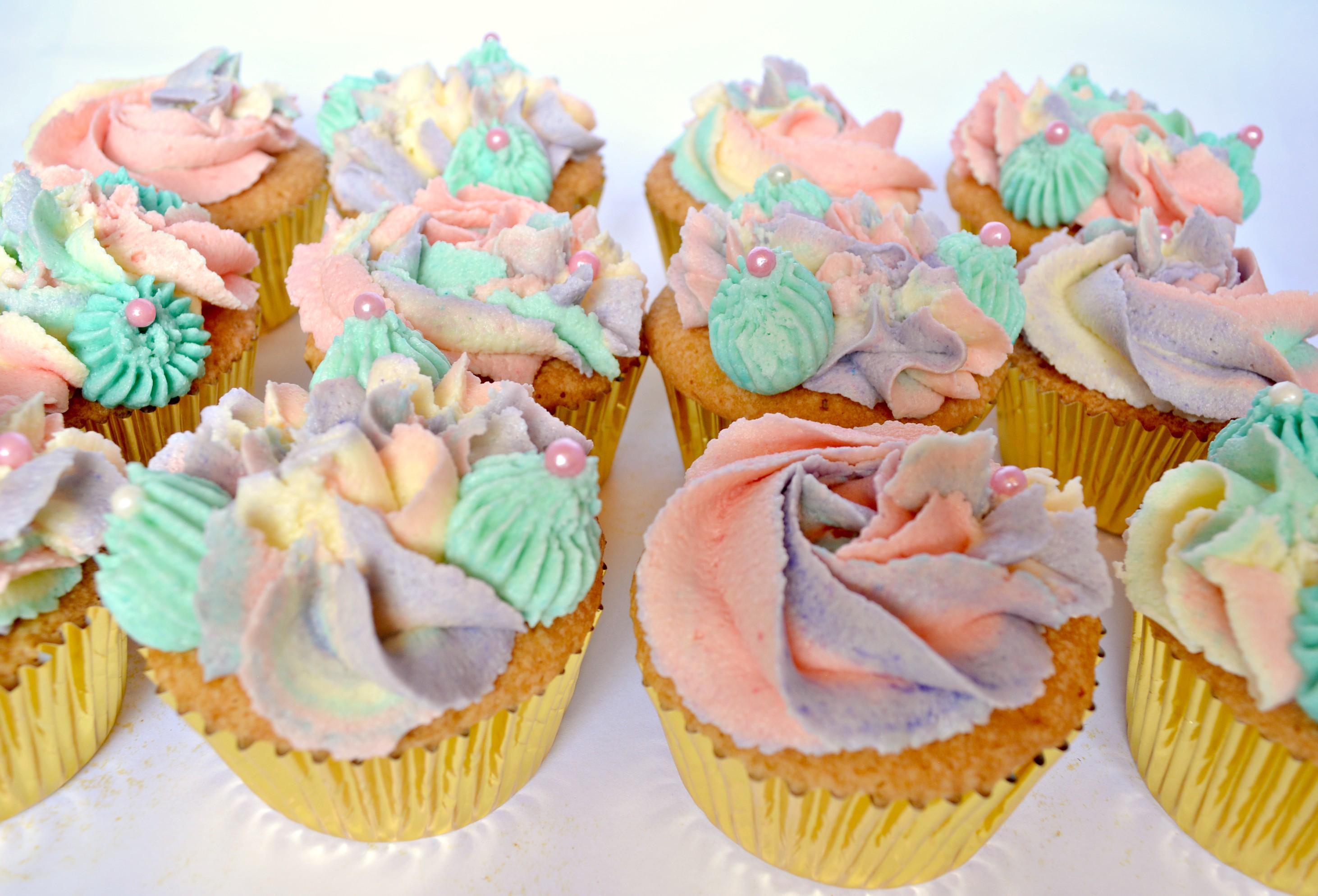 Unicorn cup cakes