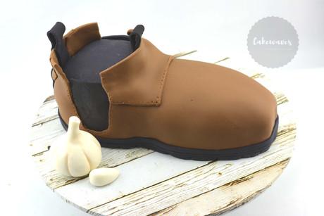 Blundstone boot cake
