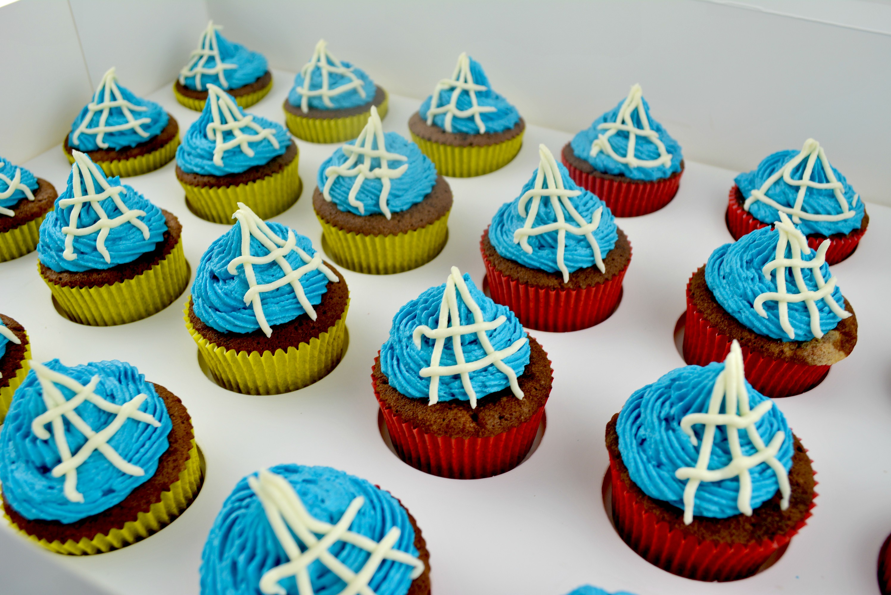 SpidermanCupcakes_cakewaves