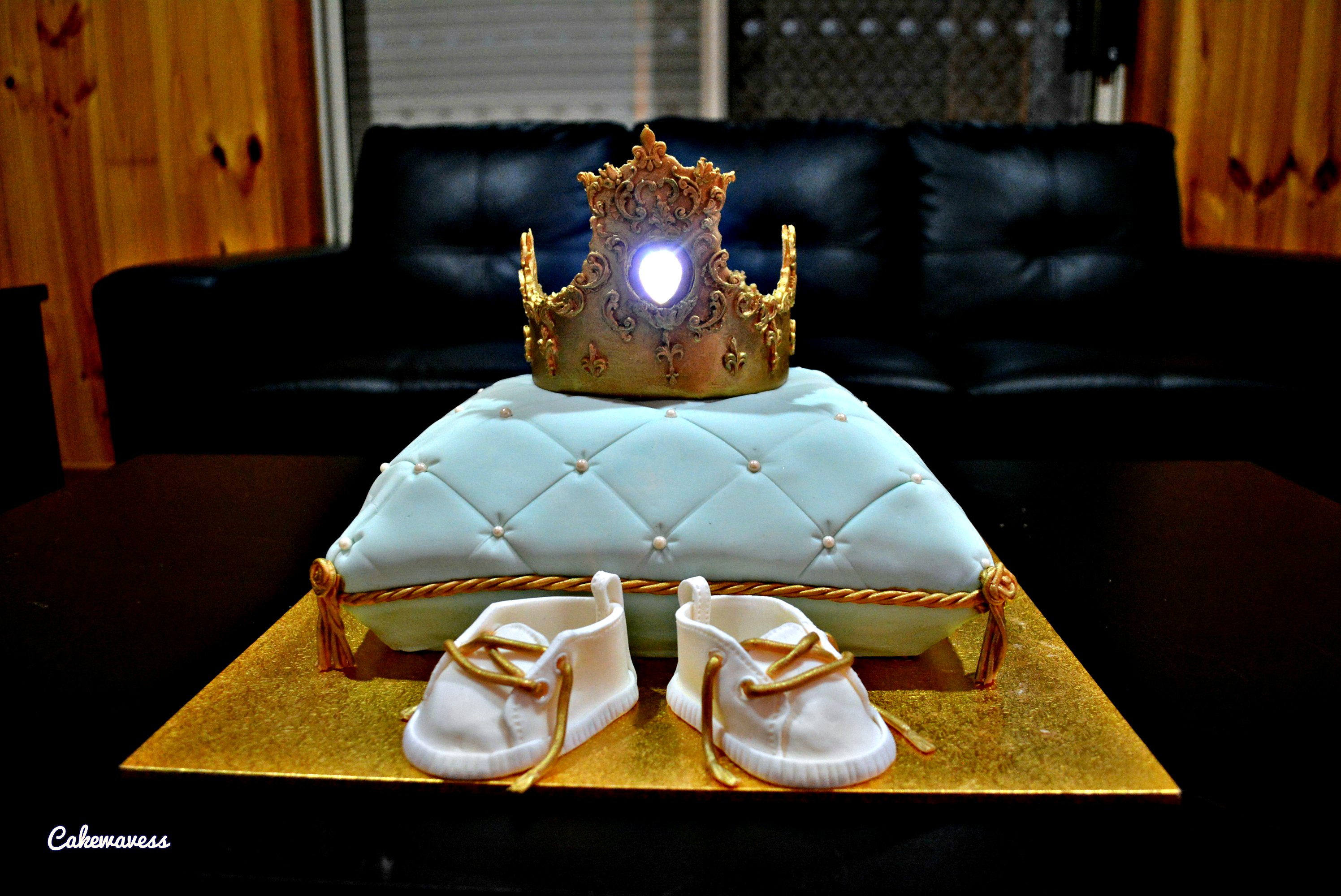 Pillow and Crown cake