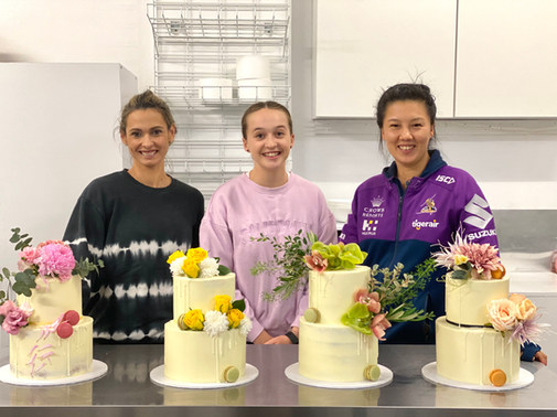 Two Tier Floral Drip Cake Class - May 2021a