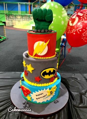 SuperHerolCake_cakewaves