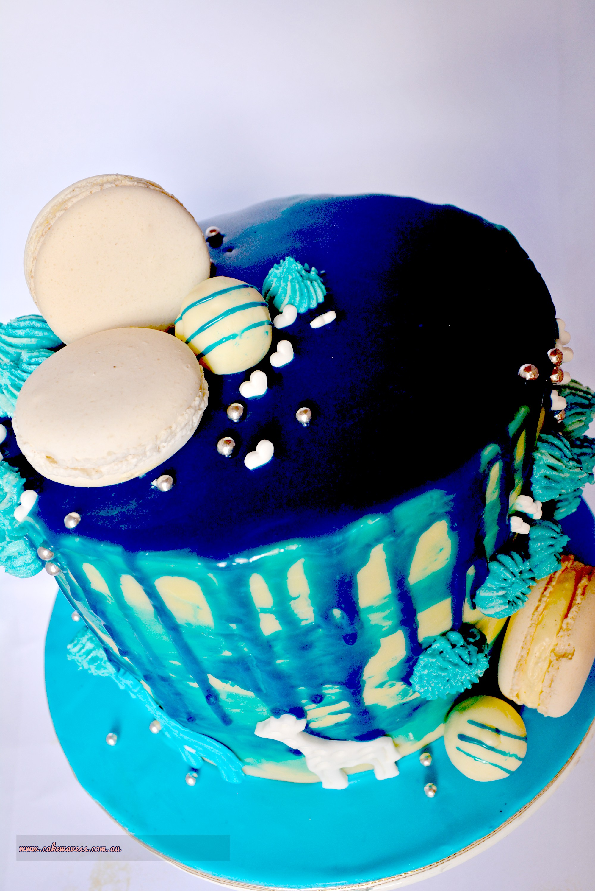 Blue Drip Cake7